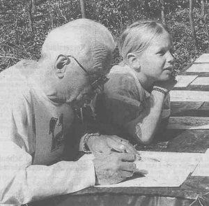 Beat Oppliger Senior und Chantal Oppliger am Badener-OL 2002 beim Abzeichnen der Bahn